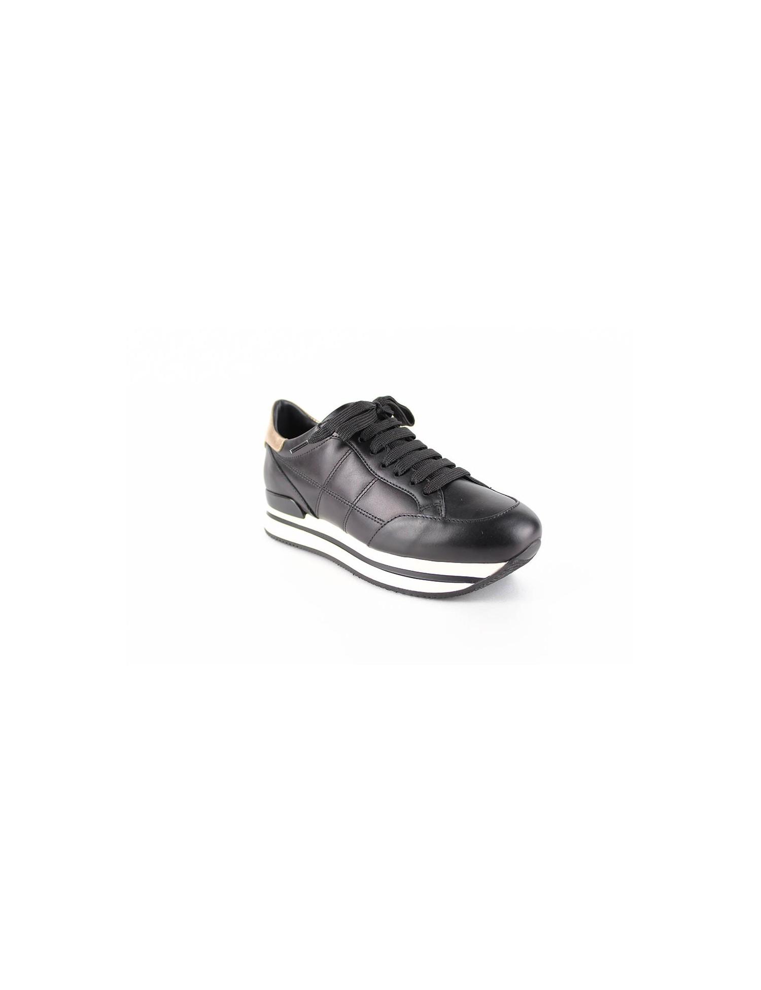 taille 40 6c7dc e7571 Baskets H222 Chaussure Pour Femme - SNEAKERS - HOGAN | Prêt-à-port...